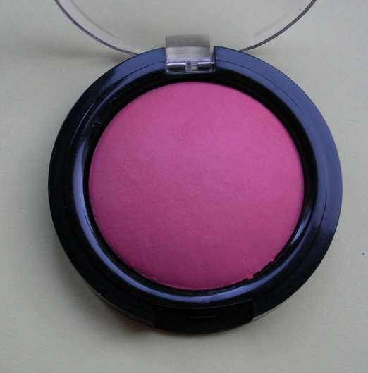 test rouge blush manhattan loves oktoberfest rouge farbe 35p dirndl love limited. Black Bedroom Furniture Sets. Home Design Ideas