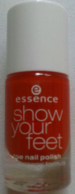 essence show your feet Nagellack in 06 juicy orange
