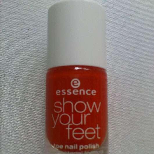 essence show your feet Nagellack in 06 juicy orange