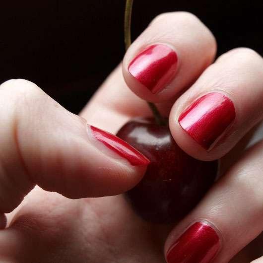 ESPRIT Color Last Nailpolish – 601 Prestigious red