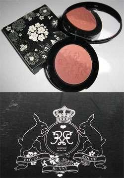 test rouge blush unschuldiges rouge von rouge bunny rouge farbe habanera 38. Black Bedroom Furniture Sets. Home Design Ideas