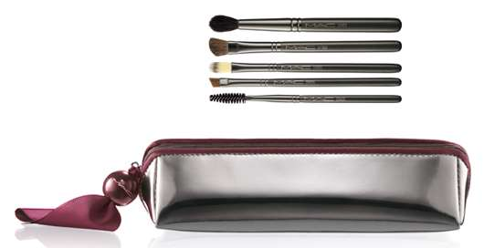 M·A·C Cosmetics MORNING, NOON & KNIGHT EVERYTHING EYE BRUSHES, Quelle: Estée Lauder Companies GmbH / M·A·C Division