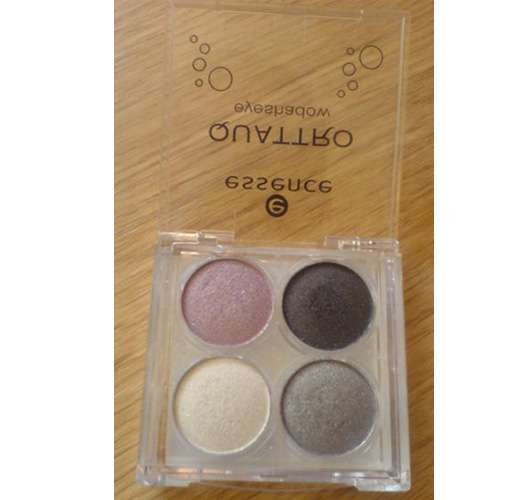 essence Eyeshadow Quattro, Farbe: 04 sixties reloaded