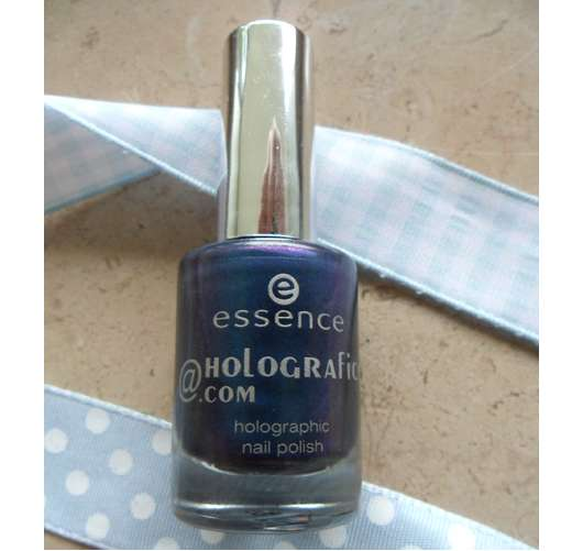 essence meet_me@holografics.com nail polish, Farbe: blue ray