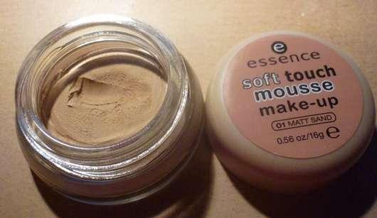 essence soft touch mousse make-up, Farbe: 01 matt sand