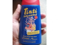 "Produktbild zu Tinti Schaumbad ""rot"""