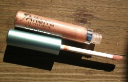 Produktbild zu Alterra Naturkosmetik Lipgloss – Farbe: 06 Honey Rose