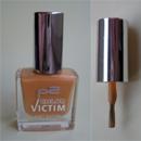p2 color victim nail polish, Farbe: 730 hug me!