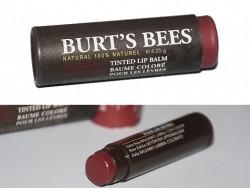 Produktbild zu Burt's Bees Tinted Lip Balm –  Farbe: Red Dahlia