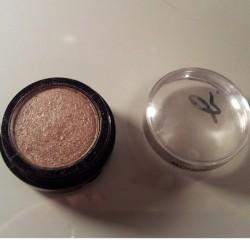 Produktbild zu agnès b. Monobulle Lidschatten – Farbe: Praline Metallic