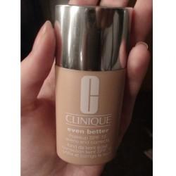 Produktbild zu Clinique Even Better Makeup SPF 15 – Farbe: 01 Alabaster