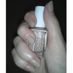 Produktbild zu essie Nagellack – Farbe: Brooch The Subject (LE)