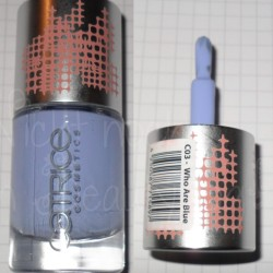 Produktbild zu Catrice Soft Touch Ultimate Nail Lacquer – Farbe: C03 Who Are Blue (feMALE LE)