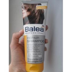 Produktbild zu Balea Professional Repair Shampoo