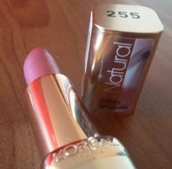 Produktbild zu L'ORÉAL PARiS Color Riche Natural Lippenstift – Farbe: 255 Blush in Plum