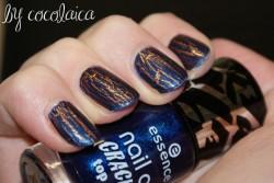 Produktbild zu essence nail art cracking top coat – Farbe: 03 crack me! blue