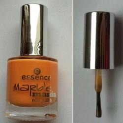Produktbild zu essence marble mania nail polish – Farbe: 04 peaches (LE)
