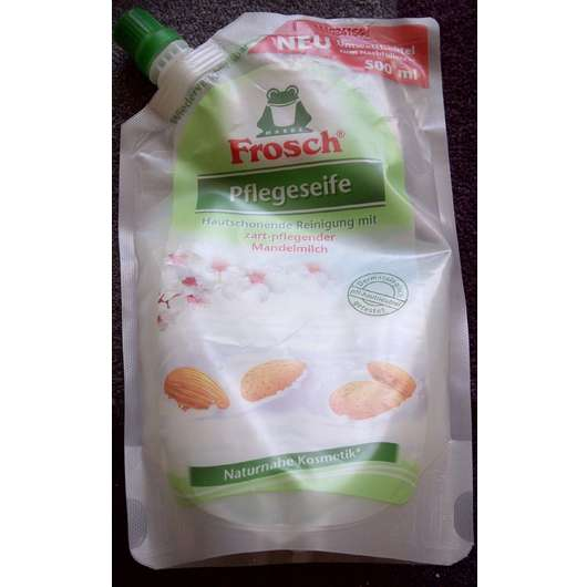 Frosch Pflegeseife mit zart-pflegender Mandelmilch