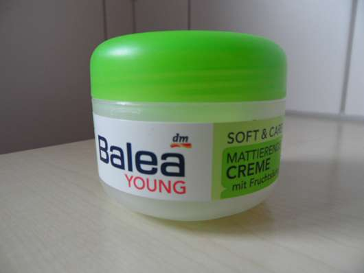 <strong>Balea Young Soft & Care</strong> Mattierende Creme mit Fruchtsäure