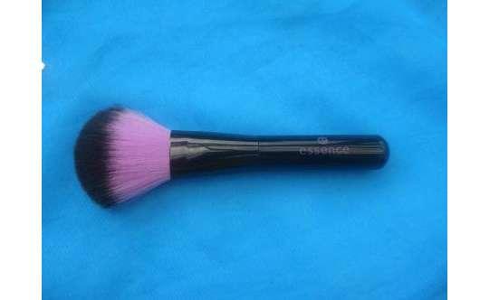 essence powder brush
