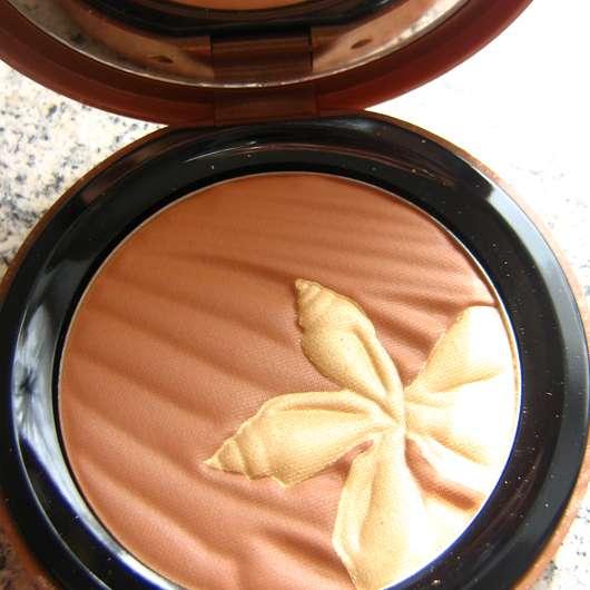agnès b. b. Sunny! Fleur D'Azur Semi-Matte Sun Powder – Golden Hints