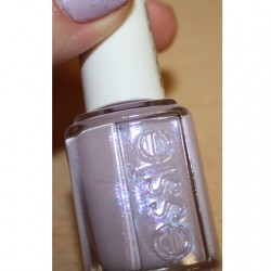 Produktbild zu essie Nagellack – Farbe: To Buy Or Not To Buy (LE)
