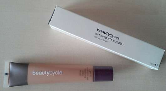 <strong>beautycycle colour</strong> oil-free liquid foundation - Nuance: medium 10