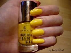 Produktbild zu essence miami roller girl nail polish – Farbe: 01 bienvenido a miami (LE)