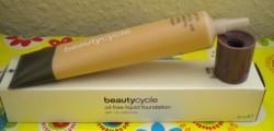 Produktbild zu beautycycle colour oil-free liquid foundation – Nuance: light 30