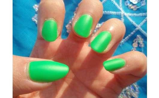 China Glaze Nail Lacquer With Hardeners, Farbe: 876 Kiwi Cool-Ada (LE)