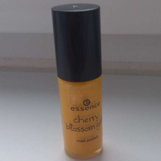 essence cherry blossom girl nail polish, Farbe: 01 fortune cookie (LE)