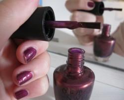 Produktbild zu OPI Nail Lacquer – Farbe: Diva of Geneva