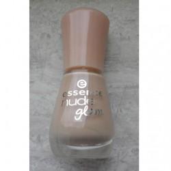 Produktbild zu essence nude glam nail polish – Farbe: 01 hazelnut cream pie