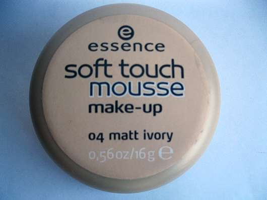 essence soft touch mousse make-up, Nuance: 04 matt ivory