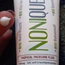 Nonique Tropisches Gesichtsfluid