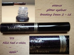 Produktbild zu essence the twilight saga: breaking dawn – part 2 glitter eyeliner – Farbe: 02 alice had a vison – again (LE)