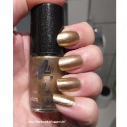 Produktbild zu agnès b. mini b. 40 seconds nail polish – Farbe: Nofretete-Goldrosé (LE)