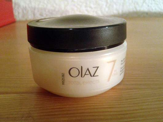 Olaz Total Effects Feuchtigkeitsspendende Tagespflege (parfümfrei)