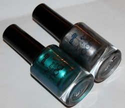 Produktbild zu p2 cosmetics fly me to the moon galactic nail polish – Farbe: grey galaxy & turquoise galaxy (LE)