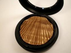 Produktbild zu ARTDECO Glam Couture Eyeshadow – Farbe: 33 glam bronzed fabric (LE)