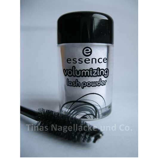essence volumizing lash powder (zweckentfremdet für velvet nails)