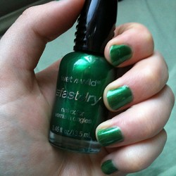Produktbild zu wet n wild fast dry nail color – Farbe: E226C SaGreena The Teenage Witch
