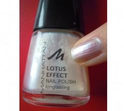 Produktbild zu MANHATTAN Lotus Effect Nail Polish – Farbe: 11N