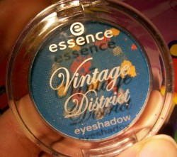 Produktbild zu essence vintage district eyeshadow – Farbe: 02 hopping @ portobello road (LE)
