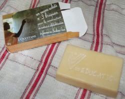 Produktbild zu L'Occitane Solidarische Seife zum Weltfrauentag 2013 (LE)