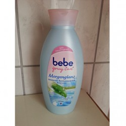 Produktbild zu bebe® Young Care Morgenglanz Belebender Bambuswasserduft Body Lotion