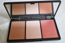Produktbild zu Sleek MakeUP Face Form Contouring And Blush Palette – Farbe: Fair