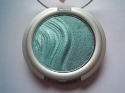 Produktbild zu essence 3D eyeshadow – Farbe: 06 irresistible mermaid kiss