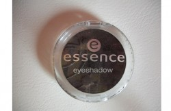 Produktbild zu essence eyeshadow – Farbe: 04 black goddess