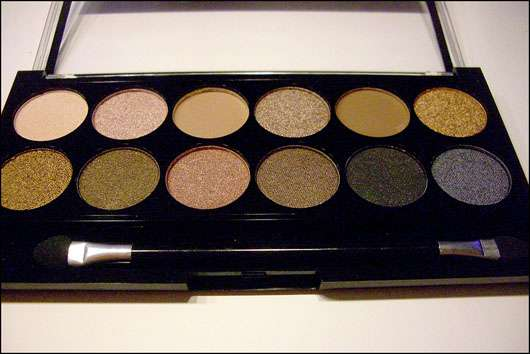 test eyeshadow mua makeup academy eyeshadow palette farbe undressed testbericht von. Black Bedroom Furniture Sets. Home Design Ideas